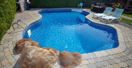 chlorine-vs-salt-water-pool
